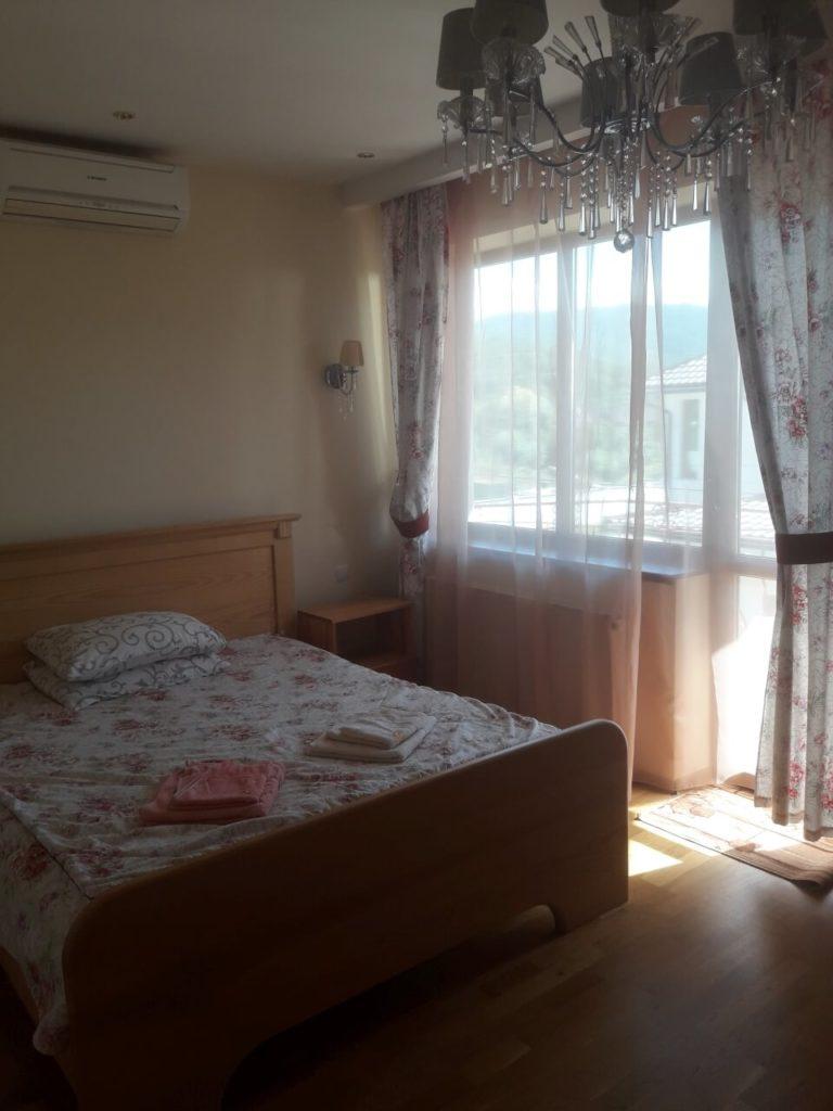 zatishok-appartment-004-768x1024
