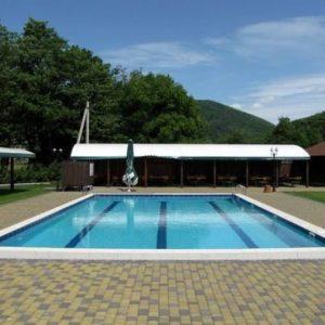pool-003