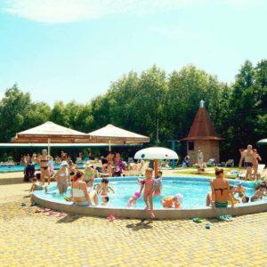 pool-017