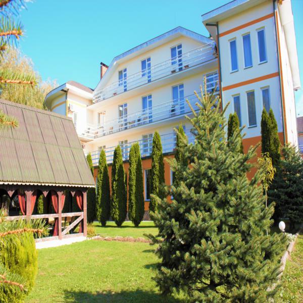 Готель Континент Сіон
